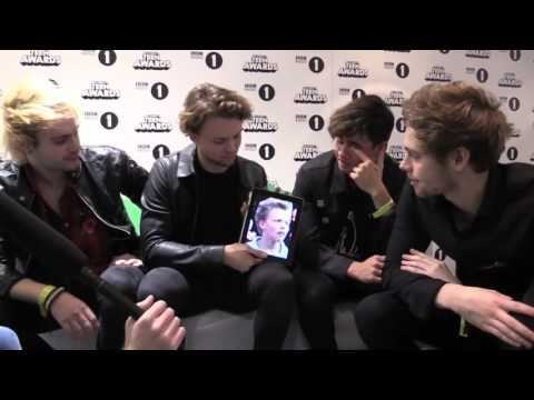 5SOS react to fetus photos