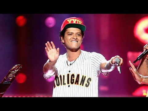 "Bruno Mars Kicks Off 2017 BET Awards With EPIC ""Perm"" Performance"