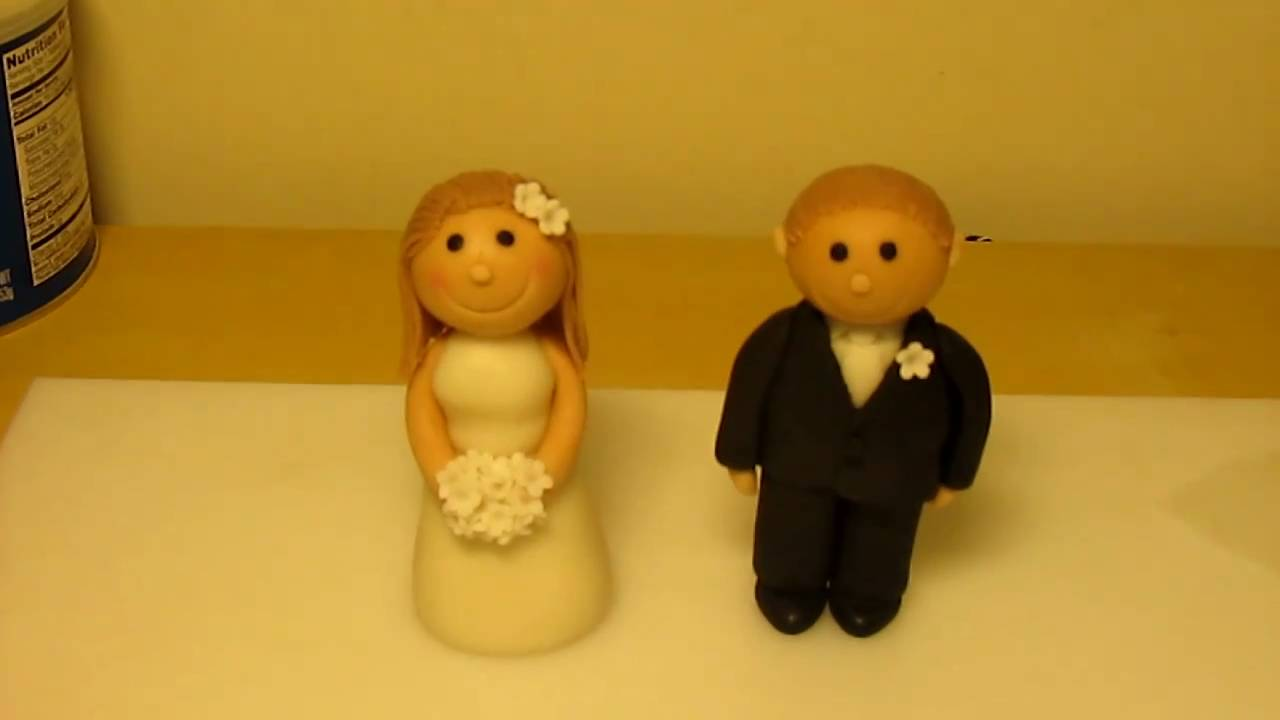 Bride & Groom gumpaste sugar figure wedding toppers - YouTube