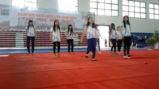 Nhảy chào tân sinh viên khoa Lao Động và Công Đoàn