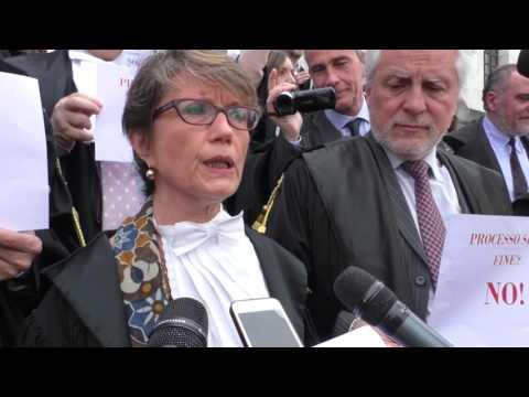 """Milano, avvocati in protesta: """"Ddl Orlando ha soffocato dibattito parlamentare"""""""