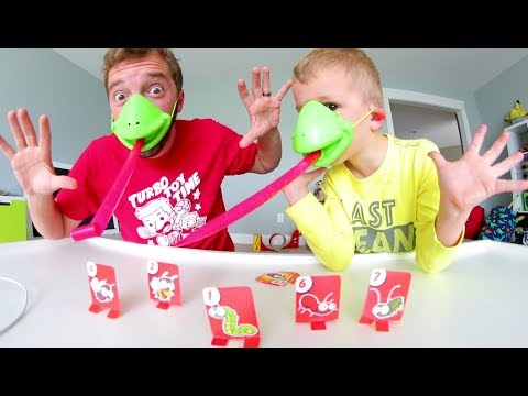 Father Son PLAY TIC TAC TONGUE! / Lick Those Bugs!