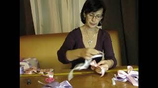 Украшение на ручки свадебных машин из атласных лент
