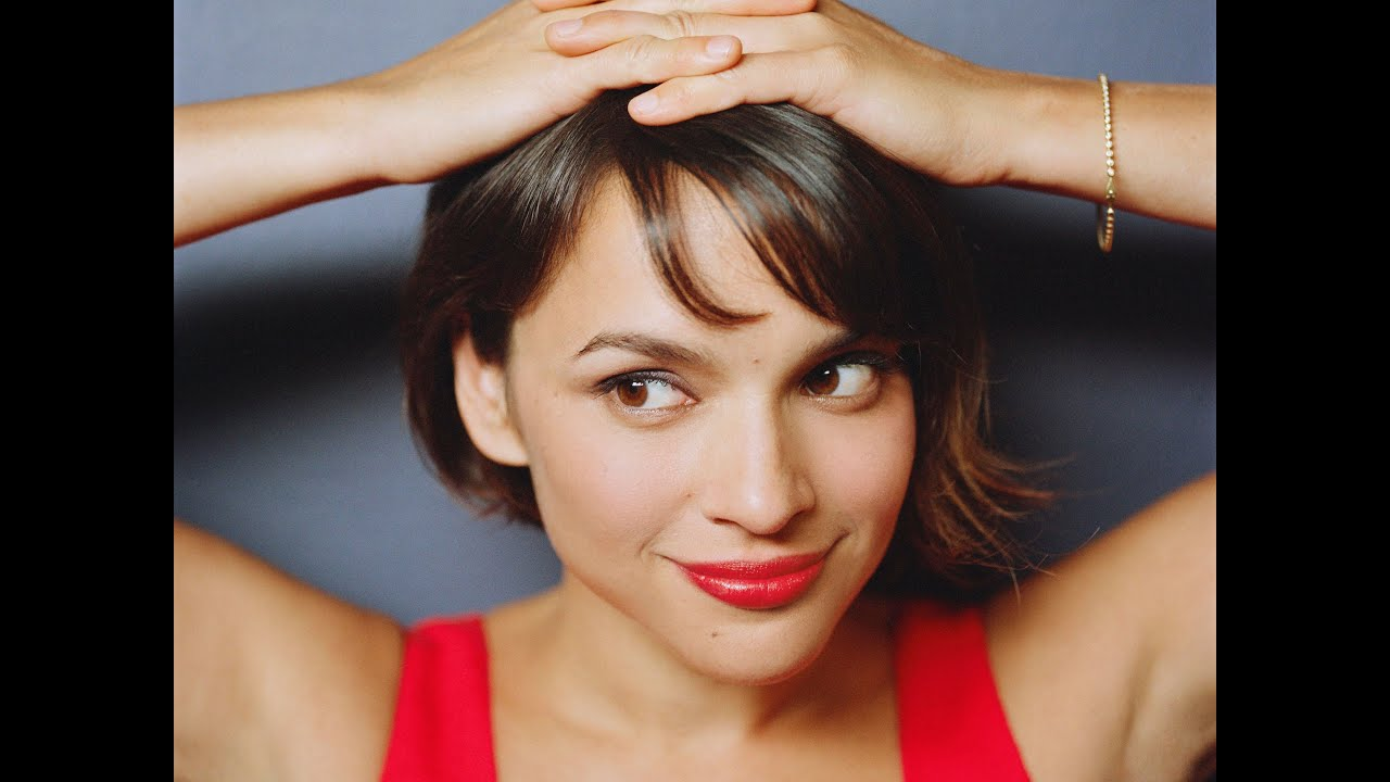 Norah Jones Hairstyles   1000 43 Images About Norah Jones On ...