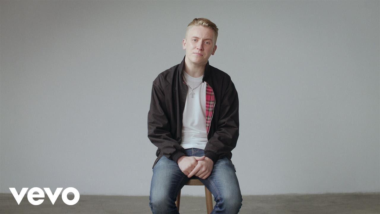 tom prior singer