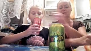 Челлендж с мамой вечером после уроков . Чипсы,напитки,бомжики(доширак) или просто макароны макарошки