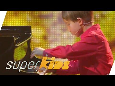 Stunning Tchaikovsky interpretation by 8 yrs old pianist   Superkids