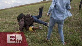 Reportera húngara que golpeó a niños refugiados fue despedida / Excélsior informa