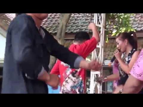 Tunjukan Pesonamu - Nenty Ardillah   Arnika Jaya Live Gagasari Full HD