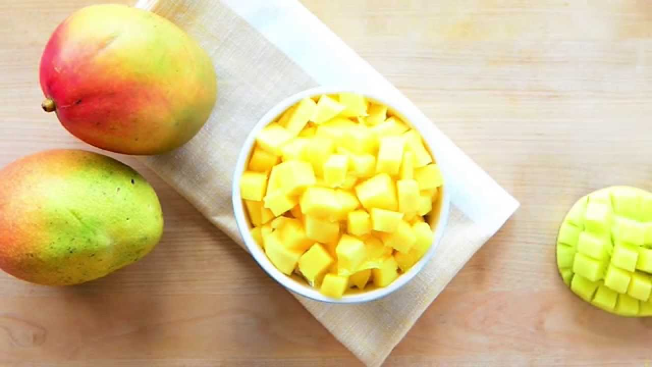How To Cut & Remove The Stone From A Mango