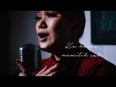 AZHARINA - Cinta Terbagi Dua ( Lyric). Produced by Julfekar.
