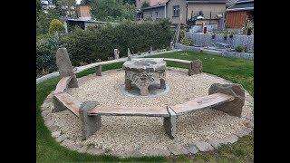 Bau einer Feuerstelle mit Gartenbänken