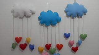 Mobile nuvem e corações em feltro – PAP