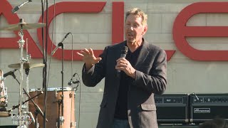 Larry Ellison opens Austin's 40-acre lakeside campus