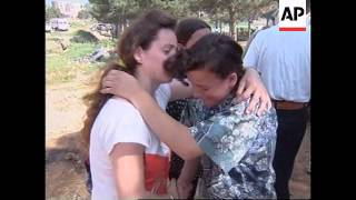 ALBANIA: KOSOVO: REFUGEES REFUSE TO LEAVE CAMPS