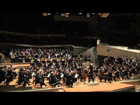 The Berliner Philharmoniker perform Brahms's: Symphony No. 1 / Timpani tutorial