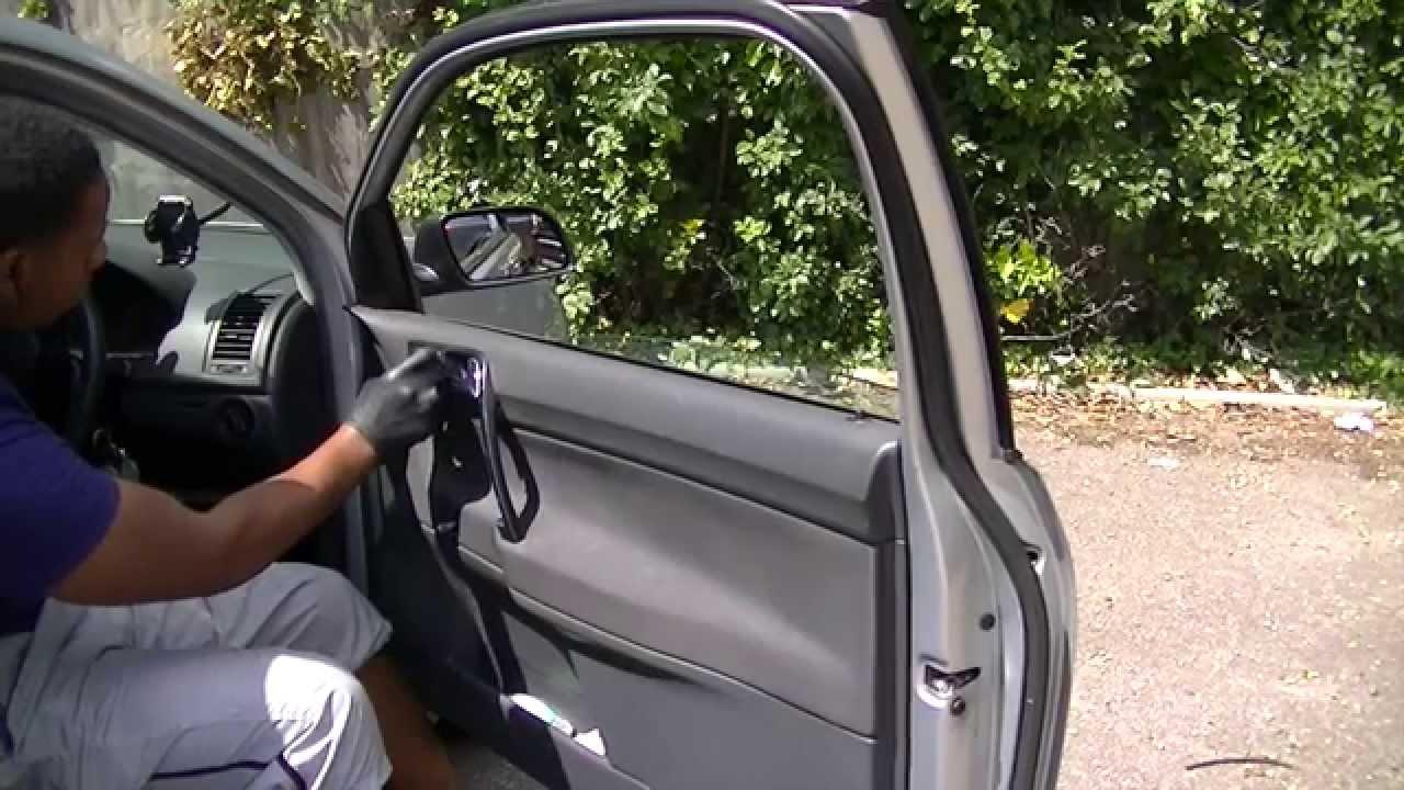 VW FOX  N//S FRONT DOOR GLASS PASSENGER SIDE