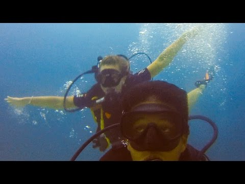 110   NIGHT DIVING ON THE GILI ISLANDS!!! (Southeast Asia Travel VLOG)