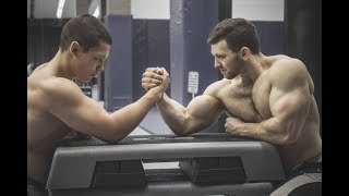 ARMWRESTLING WITH HUGE MUSCLE ARMS | FLEXING SHOW | GYM TRAINING