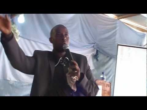 """Haguruka wubake"" (""Arise and build"") (Fleury Onésime Ndongozi at Oasis Christian Center Burundi)"