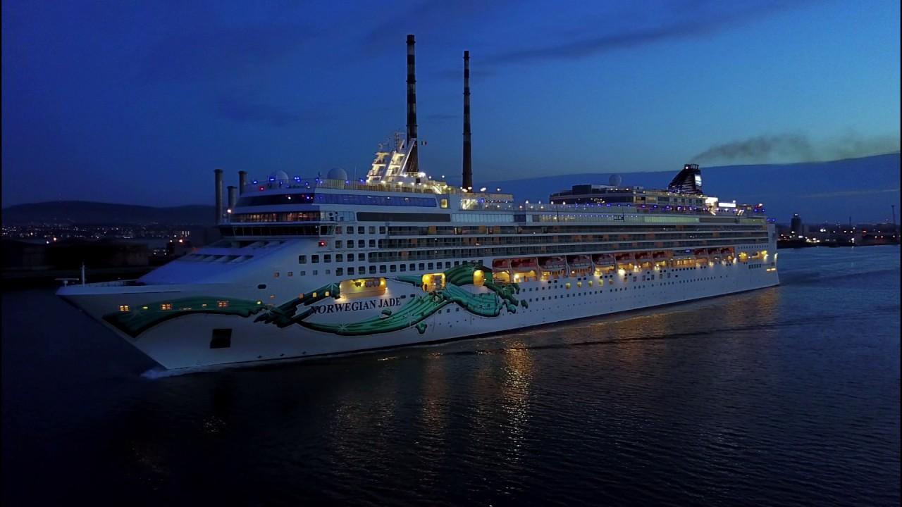 NORWEGIAN JADE CRUISE SHIP DEPARTING FROM DUBLIN PORT IRELAND ON - Cruise ship ireland