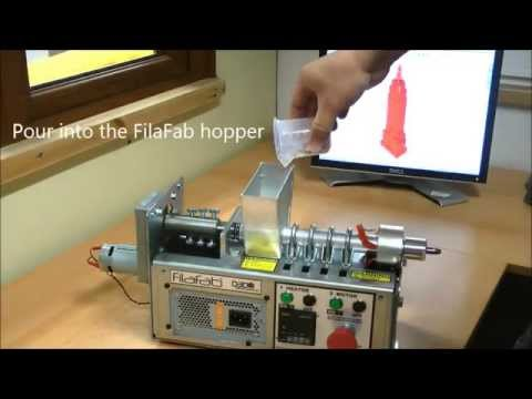 FilaFab extruding on demand coloured filament for 3D printer