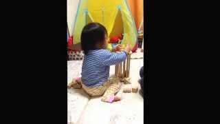 エレファントカシマシの「ズレてる方がいい」を熱唱する1歳8ヶ月の娘。(...