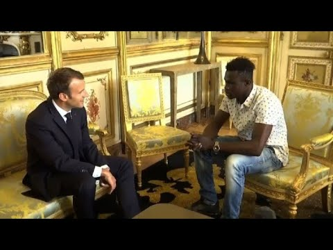 'Hero' Malian meets with Macron, offered French citizenship