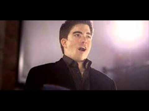 Soprano Michael Maniaci Sings Mozart's