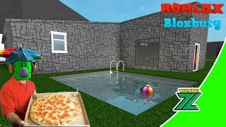 ROBLOX Indonesia   Bloxburg   Work Delivery Pizza to beautify the house!! 🏡