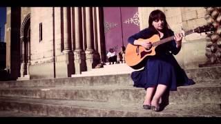 Laura Groves / Blue Roses : Coast | HibOO d'Live