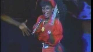 Sinitta - Toy Boy (w/ 4 dancers 1987)