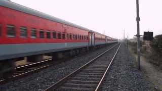 HWH WAP 7 12303 POORVA EXPRESS CURVING TWILIGHT ACTION