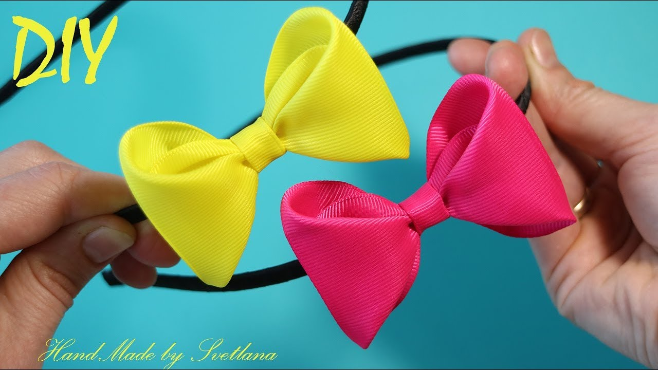 The hair bow of Grosgrain ribbons