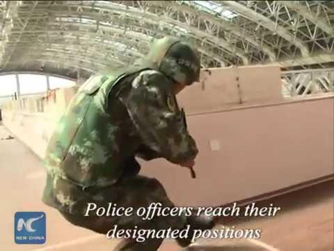 Police hold hostage rescue drill in S China
