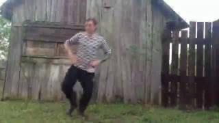 Мужики танцуют прикол