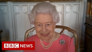 Queen says Covid vaccine 'didn't hurt at all' - BBC News