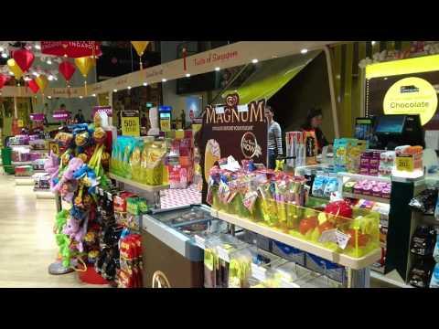 singapore, chocolate store at changi airport