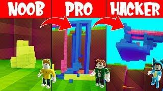 NOOB base vs PRO vs HACKER!! BUILD AND SURVIVE ROBLOX 💙💚💛 BE BE BE MILO VITA AND ADRI 😍 AMIWITOS