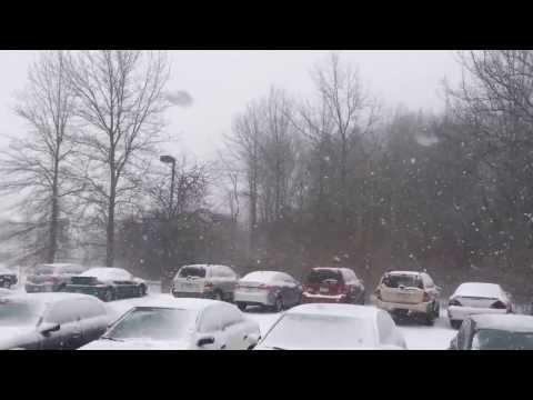 snow fall in kent , OHIO