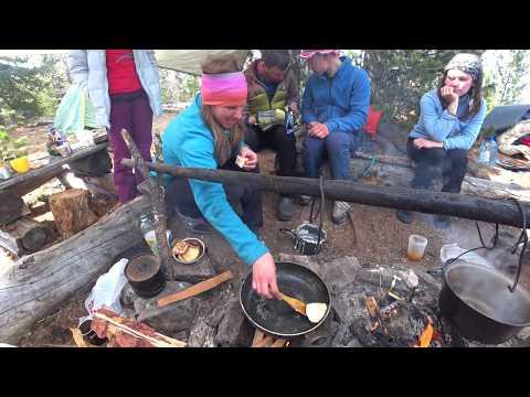 В горах Тувы. Походная кухня. Блины и оладушки? Нет ничего невозможного!