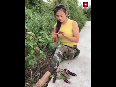 Китайская девушка строитель впечатляет
