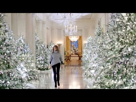 compare melania trump to michelle obamas white house christmas decor - Melania Trump Christmas Decorations