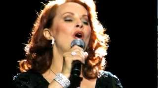 SHEENA EASTON - WHEN HE SHINES IN LIVE 2012