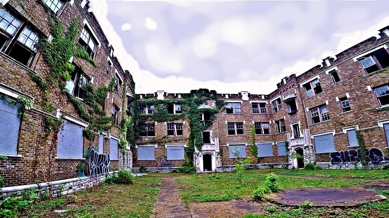 Abandoned Apartment Building 1925