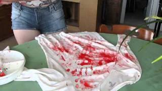 BB تأثيري: صنع قميصا ملطخا بالدم