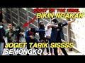 Joget Tiktok Tarik Sis Semongko Joget Tiktok Di Jalanan Joget Lucu Bikin Ngakak Prank Tarik Sis  Mp3 - Mp4 Download