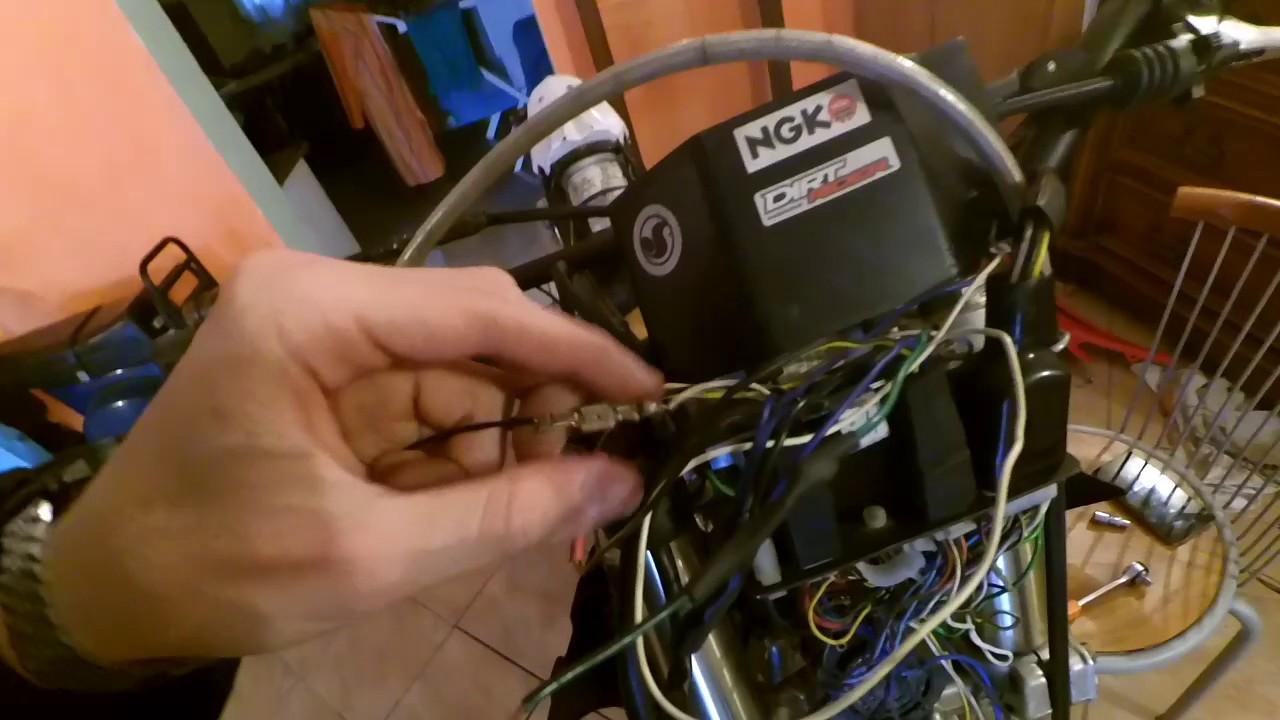 Schema Elettrico Husqvarna Sm 125 : Impianto elettrico husqvarna sm parte youtube