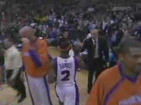 Marcus Banks at the buzzer