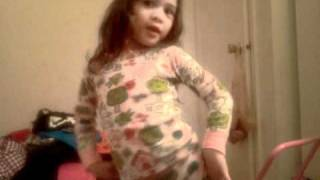 My 3 years old lil sister is a SONE, dancing Mr.Taxi
